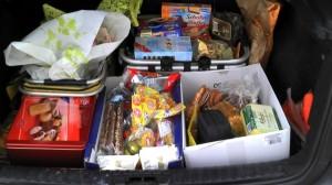 Kofferraum voll mit Süßkram :-)